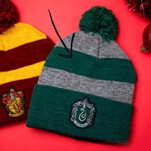 771ae7410a8 Harry Potter Accessories - Pom Slytherin Beanie Harry Potter Hogwarts Hat